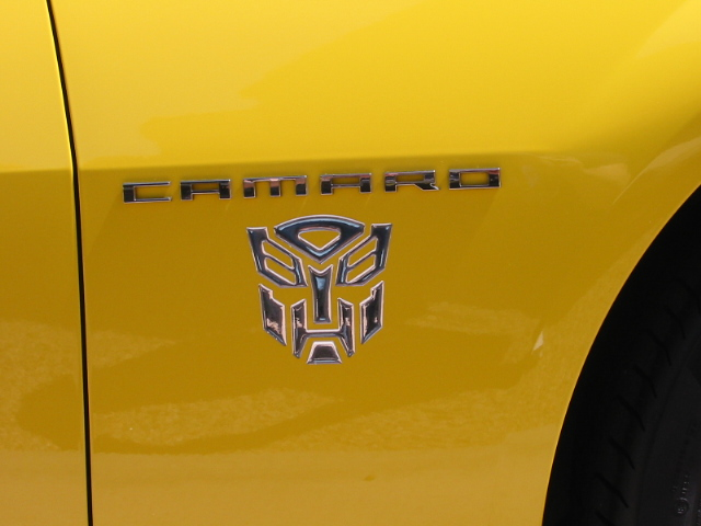 Custom Decals and Emblems for Camaro-bumble-bee-pics-004.jpg