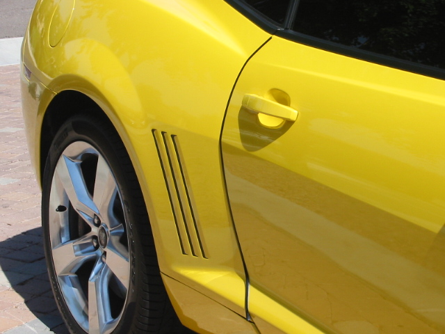Custom Decals and Emblems for Camaro-bumble-bee-pics-005.jpg
