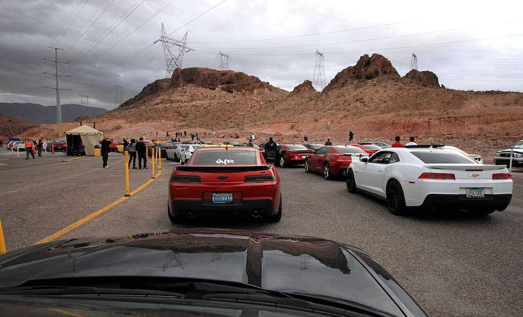 Hoover Dam 2014 Camaro Cruise-getting-ready.jpg