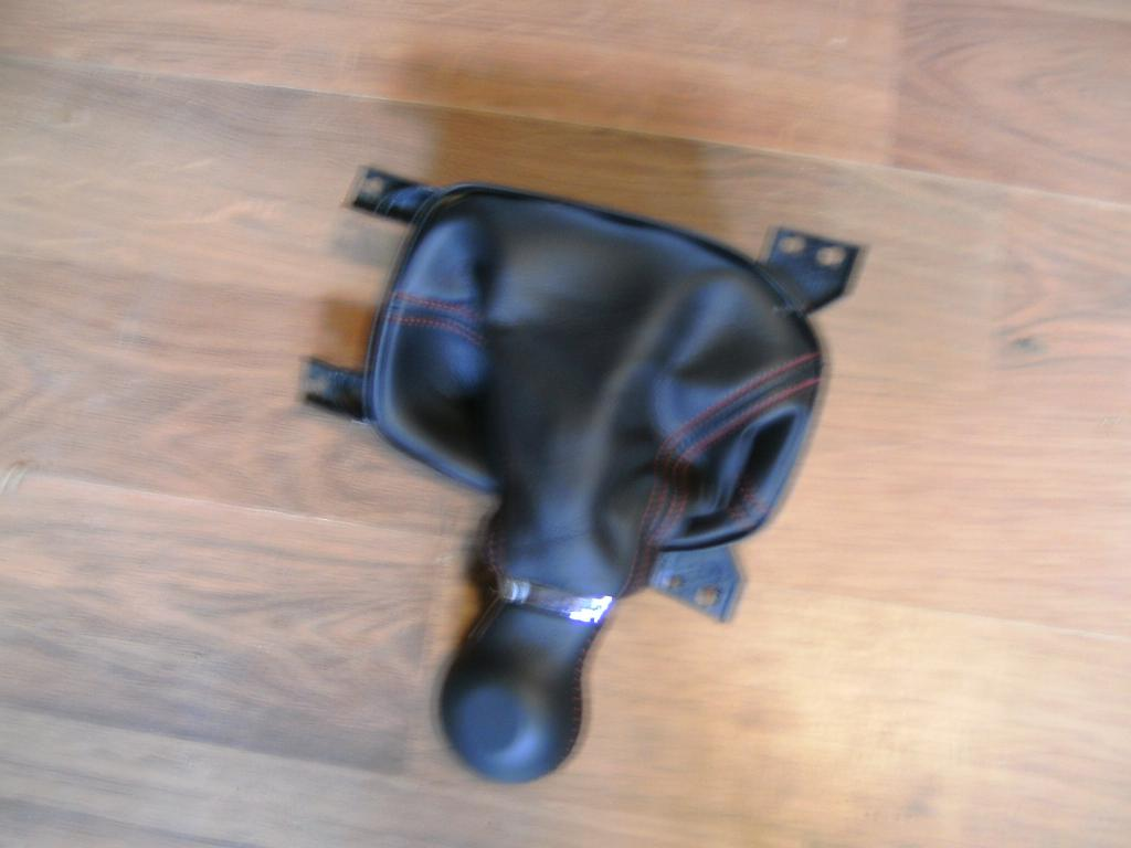 FS.zl1 headrest covers-shifter.jpg