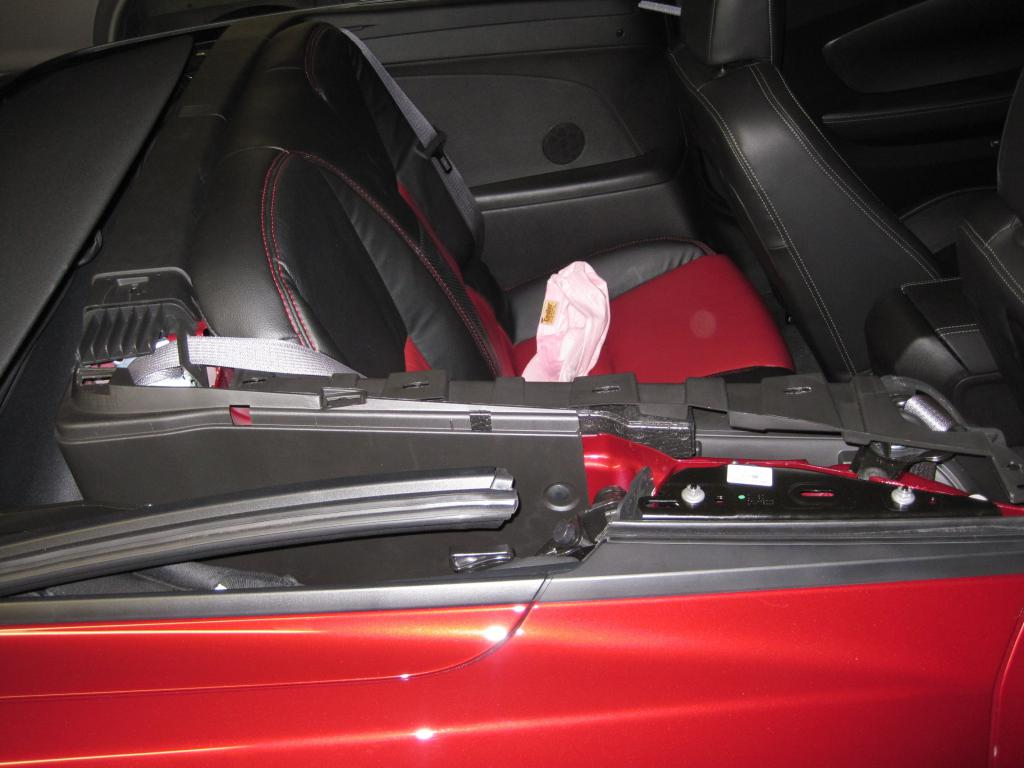 1st Convertible Onstar/XM Fin relocation (I think)-side-trim.jpg